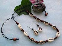 Necklace and earring jewelry set made of genuine seashells and wooden beads