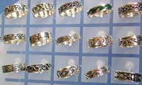 2004 trendy jewelry ring distributor wide band sterling silver ring with assorted designs and patterns