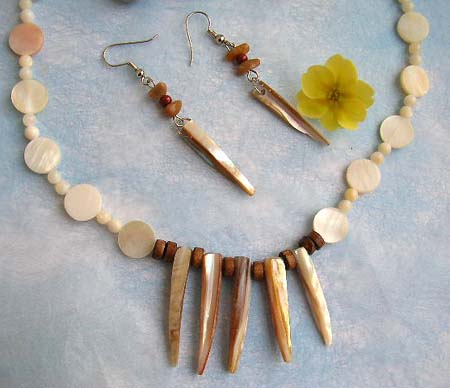 wholesale distributor of cheap jewelry offer sea shell necklace and matching earring beach jewelry set