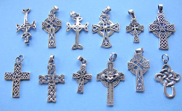 Celtic cross pendant necklace traumspuren wholesale celtic jewelry celtic cross pendant in 925 aloadofball Image collections