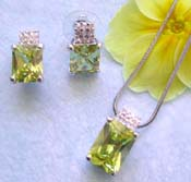 Asia wholesale jewelry store offering chain necklace, green cz with multi clear cz top decor pendant and stud earring set