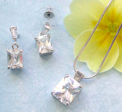 Fashion cz jewelry distributor offering chain necklace, clear cz rectangular pendant and stud earring set
