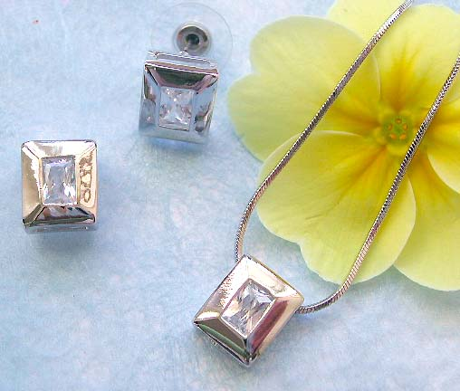 Pendant jewelry wholesaler online offering chain necklace, rectangular cz pendant and stud earring set